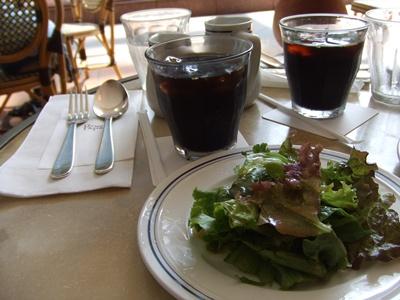 恵比寿ガーデンプレイス パパスカフェ  コーヒーとサラダ
