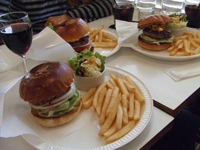 バーガーマニア (Burger Mania) ハンバーガー