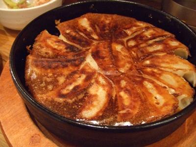 67餃子(ろくななぎょうざ) 恵比寿店  鉄鍋餃子