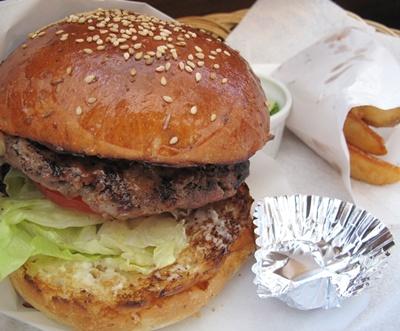 FELLOWS (フェローズ) BBQバーガー