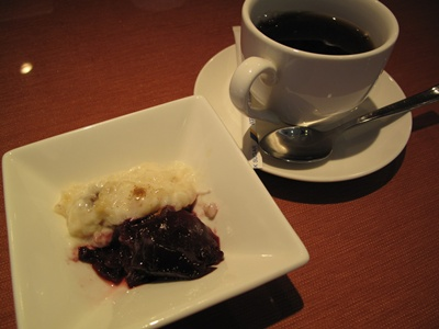 MIRAFLORES( ミラフローレス) 代官山恵比寿店 デザートとコーヒー