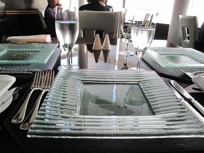 リッツカールトン東京 フォーティーファイブ テーブルセッティング