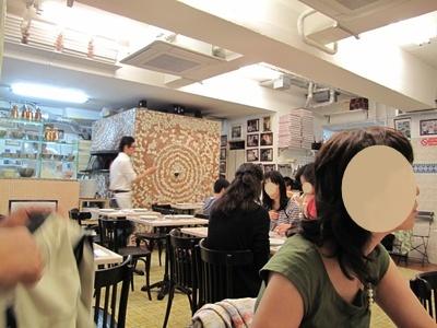 Pizzeria e trattoria da ISA (ピッツエリア エ トラットリア ダ イーサ) 店内