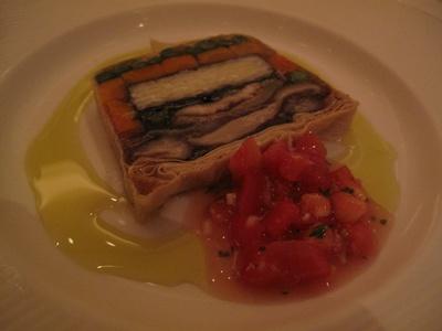 ア ビエント 北杜米と穴子入り野菜の湯葉包みテリーヌ、完熟トマトの香り