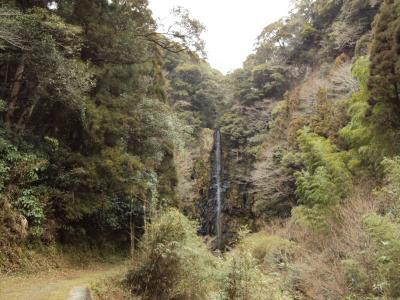 小さい橋 滝