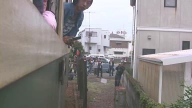 紀州鉄道キハ603 最終列車.avi_00015 西御坊駅到着