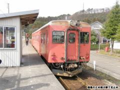 キハ52 156 姫川駅