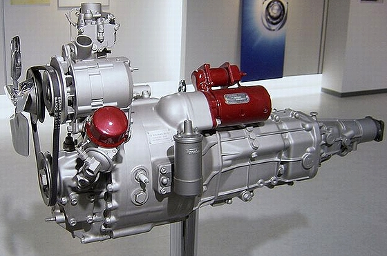 Mazda_rotary_engine_early.jpg