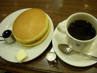 元町サントス(ホットケーキセット(バター)¥650)