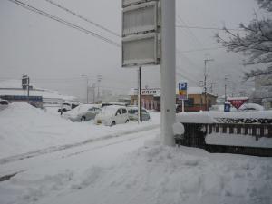 事務所前 雪