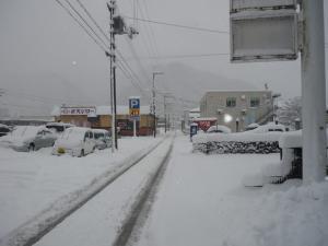 事務所前 雪2