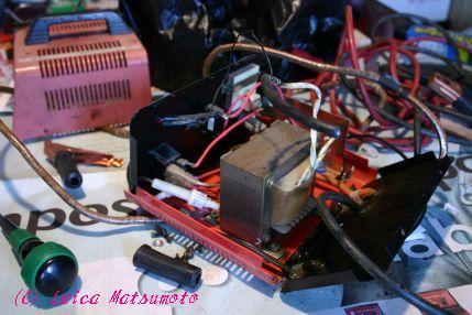 バッテリーチャージャーの修理