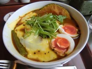 手稲区スープカレー アルタイル 野菜とベーコンのカリー2