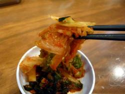 麺 キムチ .