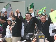 日本の中津川衆院議員(右二)らも参加