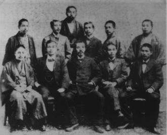 742px-Sun_Yat_Sen_in_Japan_1898.png