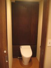 トイレ収納棚完成