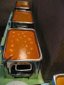 ラクシュミ 上から豆、野菜、ゆで卵のカレー