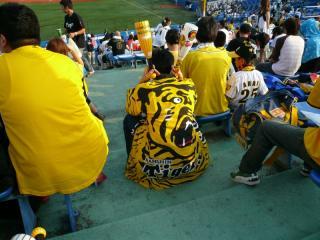 [2010.08.27] 神宮球場 ヤクルトvs阪神戦観覧席2