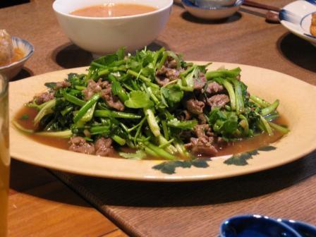 セリと牛肉の炒め物