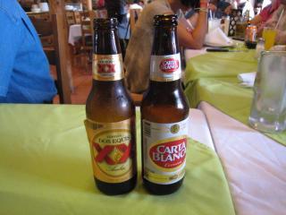 ビール、CARTA BLANCA