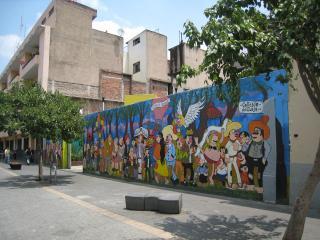 小路の壁画