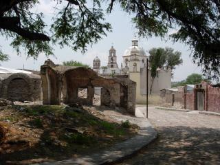 アトトニルコの聖堂1