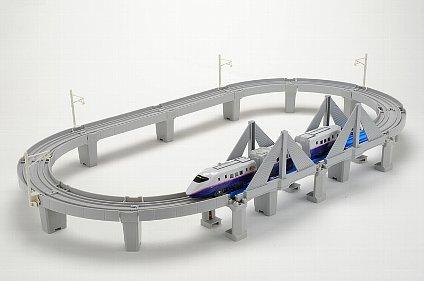 「東北新幹線東京-新青森全線開業記念 E2系はやて高架レールセット」