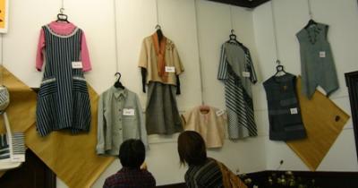 機織り展示会1