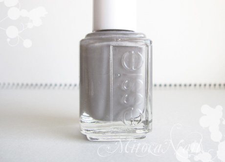 essie#696 Chinchilly(チンチリー)