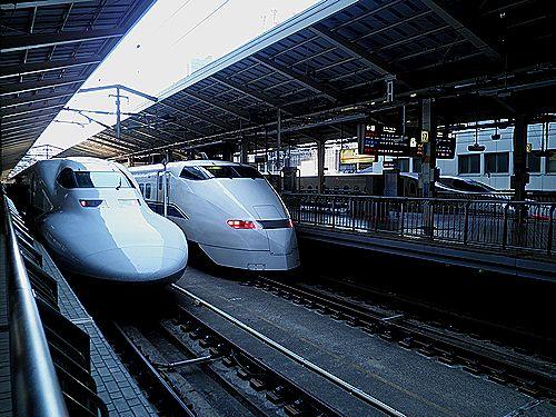 東京駅・東海道新幹線並び