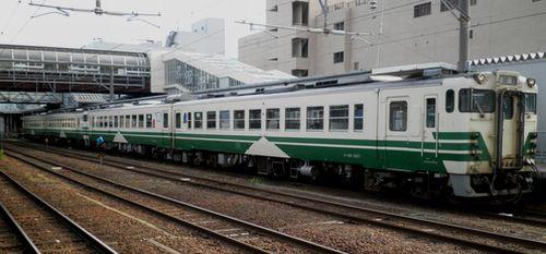 秋田駅・男鹿線列車