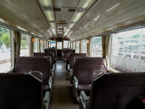 秋田内陸縦貫鉄道AN8800形車内