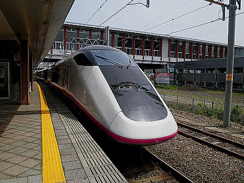秋田新幹線「こまち」E3系(秋田駅)