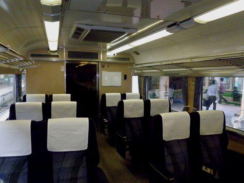 クロハ481-1023(新ニイ)・グリーン席