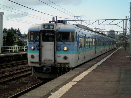 長ナノ115系N21編成(信越本線新井駅)