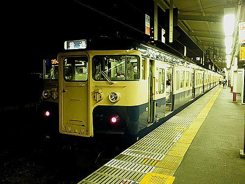 八トタ115系(甲府駅)