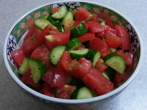 110703-030トマトときゅうりのサラダ(縮小)