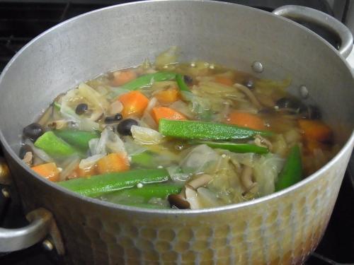 110826-040野菜のコンソメスープ煮(縮小)