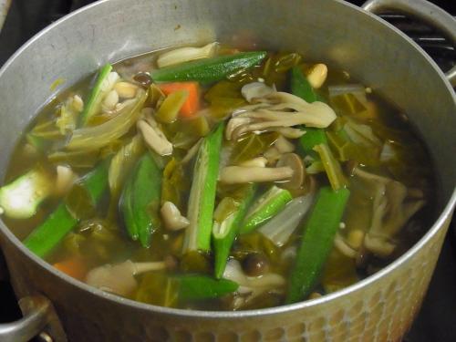 120325-030野菜のコンソメスープ煮(S)