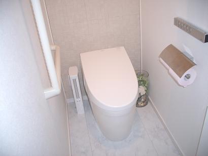 トイレ斜めから