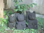 石の招き猫(中)八女石02 3匹