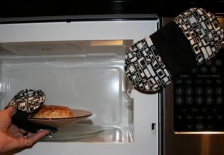microwave_mitts_convert_20110612191602.jpg