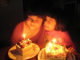 ケーキが2つも~♪