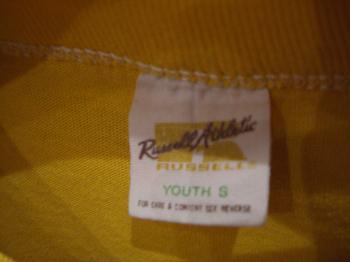 キッズTシャツ黄色タグ