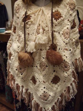 花柄編みポンチョ