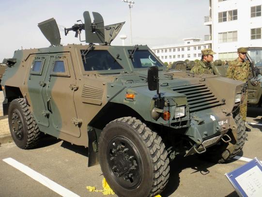 軽装甲機動車 1