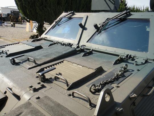軽装甲機動車 13