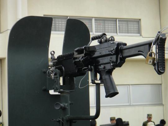 軽装甲機動車 8