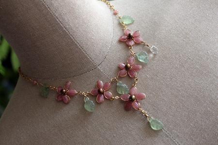 ロードクロサイトのお花ネックレス